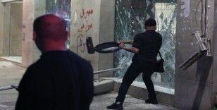 Lübnan polisinden Merkez Bankası önündeki gösteriye müdahale