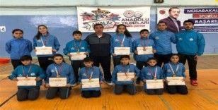 Badmintonda Malatya kız ve erkek takımları birinci oldu