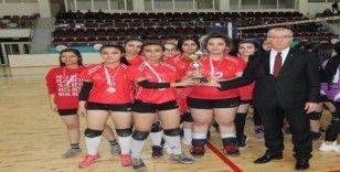 Genç Kızlar Voleybol Kilis Anadolu lisesi birinci oldu