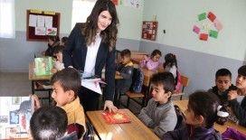 Cumhuriyet savcısı Diyarbakır'da 1300 çocuğu kitapla buluşturdu