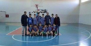 Köy okulu öğrencileri futsalda şampiyon oldu
