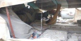 Azez'de teröristlerin saldırısı sonrası enkaz görüntülendi