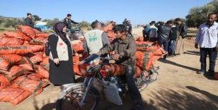 Azez'de Suriyelilere kış yardımı