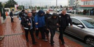 Kocaeli'de FETÖ'den gözaltına alınan 8 şüpheli adliyeye sevk edildi