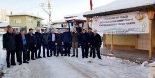 Köylülerin kurduğu kooperatife traktör desteği