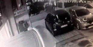 """(Özel) İstanbul'da """"pes"""" dedirten motosiklet hırsızlığı kamerada"""