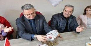 Minikler harçlıklarını İdlib için biriktirdi