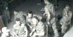 Darbecilerin Kara Kuvvetleri Komutanlığında görev dağılımı yaptığı anların görüntüsü ortaya çıktı