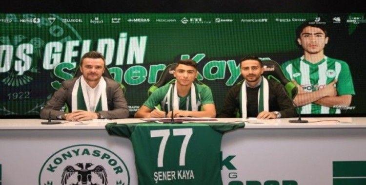 Konyaspor, U17 milli oyuncusu Şener Kaya ile sözleşme imzaladı