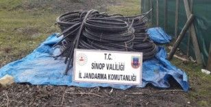 Sinop'ta 200 bin liralık enerji nakil kablosu çalan zanlılara suçüstü