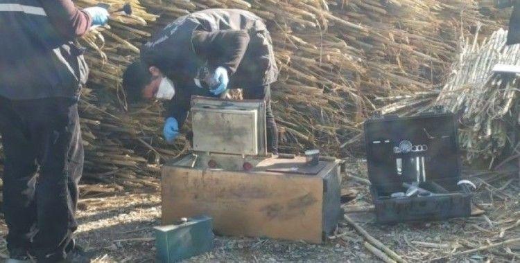 Eski çalıştığı iş yerinin çelik kasasını çaldı