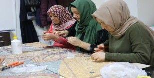 (Özel) Taşların kraliçeleri mozaikleri yeniden şekillendiriyor