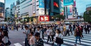 Japonya 70 yaşına kadar çalışmanın önünü açıyor