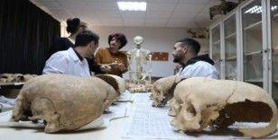 İnsan kemikleri ile tarih yazıyorlar