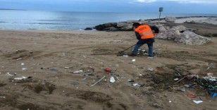 Sinop'ta sahillere temizlik