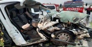 Aydın-İzmir karayolunda trafik kazası, karayolu savaş alanına döndü 7 yaralı
