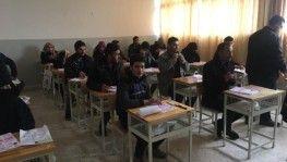 Resualayn ve Tel Abyad'ta öğrenciler üniversite sınavına girdi