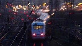 Almanya'daki tüm tren seferleri iptal edildi