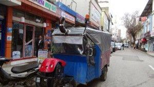 Motoru karavana çevirip, içine soba kurdu