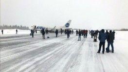 Rus yolcu uçağının kuyruğu piste çarptı, o anlar kamerada