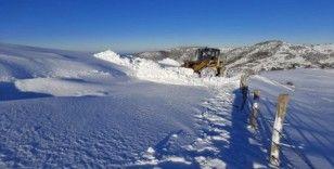 Alaçam'da karla mücadele