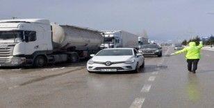 Yılın en soğuk günlerini yaşayan Aydın'da sürücülere 'buzlanma' uyarısı