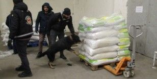 Kapıkule Gümrük Kapısı'nda 2 ton 70 kilogram esrar ele geçirildi