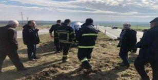 Yoldan çıkan araç devrildi: 2 yaralı