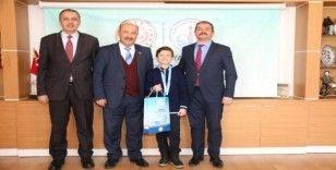 Müdür Başyiğit, Türkiye ikincisi öğrenciyi tebrik etti