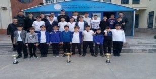 Bahaettin Güçlü İlkokulu şampiyonluklara doymuyor