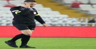 Denizlispor-Kayserispor maçını Özgür Yankaya  yönetecek