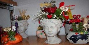 Bu yılki Sevgililer Günü'nde yeni trend Helenli çiçekler