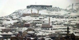 Nevşehir'de kar yağışı etkisini sürdürüyor