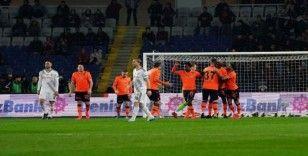 Başakşehir evinde Beşiktaş'a yine kaybetmedi