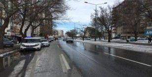 Kayseri'de otomobil yayalara çarptı: 1 ölü, 2 yaralı