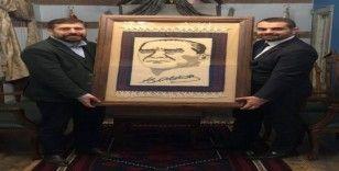 Atatürk portresi işlenmiş Yağcıbedir halısı Bal-Kes'e gelir olacak