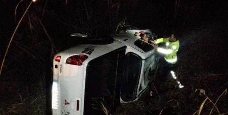 Dere yatağına düşen otomobildeki sürücü yaralandı