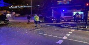 Bursa'da iki araç çarpıştı: 3 yaralı