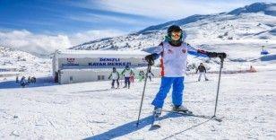 Denizli Kayak Merkezi Türkiye'nin dört bir tarafından kayak sporcularını ağırlıyor