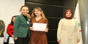 Eğitimlerini tamamlayan hemşireler sertifikalarını aldı