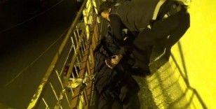 Uyuşturucu taciri evinin balkonunda saklanırken yakalandı