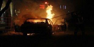 Fethiye'de otomobil alev topuna döndü