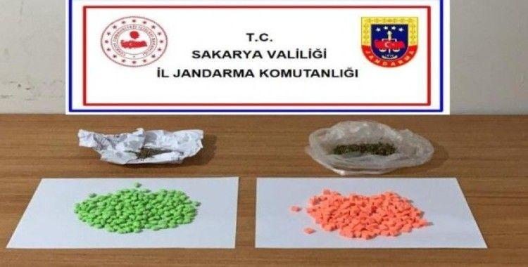 Sakarya'da 400 adet sentetik hap ele geçirildi: 1 gözaltı