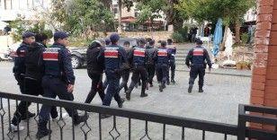 Kaş'ta 32 düzensiz göçmen yakalandı