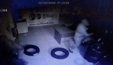 Kartal'da 45 bin TL'lik lastik hırsızlığı kamerada
