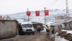 Şehidin haberi ailesine ulaştı, köyü Türk bayrakları ile donatıldı