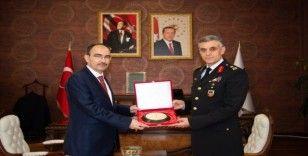 AK Parti İl Başkanı Karabıyık ve Tugay Komutanı Yalçınkaya'dan Rektör Beydemir'e ziyaret
