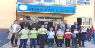 Hisarcık'ta Kitap Okuma Yarışmasında dereceye giren öğrenciler ödüllendirildi