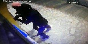(Özel) Üsküdar'da maskeli PTT soygunu kamerada