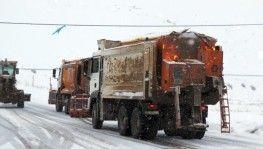 Erzincan'ın yüksek kesimleriyle Bayburt'ta kar yağışı